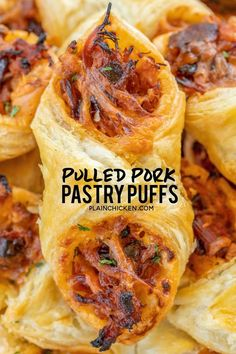 Pulled Pork Pastry Puffs – only 4 ingredients! Great recipe for a quick lunch, d… Pulled Pork Pastry Puffs – only 4 ingredients! Great recipe for a quick lunch, dinner or party. Smoky pulled pork tossed with BBQ sauce and cheese then baked in puff pastry. Finger Food Appetizers, Appetizers For Party, Appetizer Recipes, Appetizers For Dinner, Party Snacks, Christmas Appetizers, Delicious Appetizers, Appetizers With Puff Pastry, Tailgate Appetizers