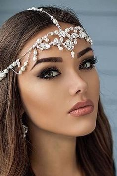 Mulher Linda - So Tutorial and Ideas Lovely Eyes, Most Beautiful Faces, Beautiful Lips, Beautiful Girl Image, Simply Beautiful, Girl Face, Woman Face, Pure Beauty, Beauty Women