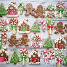 Cute Christmas Cookies Edition] – Blush & Pine Creative Cute Christmas Cookies For 2018 – Blush & Pine Cute Christmas Cookies, Christmas Biscuits, Iced Cookies, Christmas Gingerbread, Christmas Sweets, Cute Cookies, Christmas Cooking, Noel Christmas, Holiday Cookies