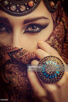 Flawless Egyptian Eyes - ch  Stock Photo : Beautiful woman