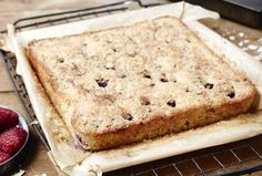 #GlutenFree Raspberry, Almond & Oat #Streusel #TrayBake - delicious! Click here for the recipe: http://www.deliciousalchemy.co.uk/recipe/gluten-free-raspberry-almond-oat-streusel-tray-bake/