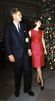 JACQUELINE KENNEDY CHRISTMAS DRESS.