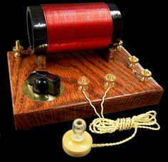 United Nuclear Standard Crystal Radio Kit - Standard Crystal Radio Kit Crystal Radios The Crystal Radio has been a favorite for beginners as well as those Radios, Diy Electronics, Electronics Projects, Superheterodyne Receiver, Ham Radio Equipment, Steampunk Lamp, Old Tv, Science Projects, Arduino