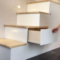 furniture This set of storage stairs is easily hidden throughout the day, and also serves as stairs up to the bedroom loft! Via New Zealand-based buildtinyhomes Tiny House Movement // Tiny Living // Tiny House Storage // Tiny Home Stairs // Tiny House Loft, Tiny House Stairs, Tiny House Storage, Tiny House Living, Tiny House Design, Tiny House On Wheels, Loft Stairs, Tiny House Bedroom, Storage In Living Room