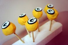 I Love The Green Bay Packers and Cake Pops!! Dosen't Get Much Better Than This!! :)