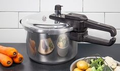 Boasting a large capacity, phenolic handles, steamer basket and stand, this pressure cooker is ideal for perfecting rice, soups and stews