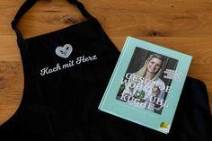 Geschenkpaket: Kochbuch + Kochschürze | Koch mit Herz | Shop Reusable Tote Bags, No Sugar, Heart