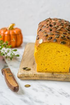 Mięciutki I Puszysty Chleb Dyniowy - Gotowanie...to proste! Banana Bread, Cake, Catering, Diet, Recipes, Hokkaido, Catering Business, Kuchen, Gastronomia