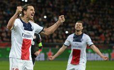 L'attaquant du PSG Zlatan Ibrahimovic célèbre son but marqué contre Leverkusen en 8e de finale aller de Ligue des champions. Victoire du PSG 4 à 0