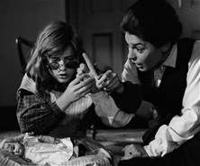 anne bancroft in the miracle worker anne bancroft and famous faces the miracle worker essay 39 best movie the miracle worker 1962 pictures clips