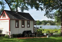 Tiny House Places—links to short-term and permanent tiny house sites. http://tinyhousecommunity.com/places.htm