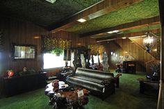 Graceland: Der legendäre Dschungel-Raum/The legendary jungle-room! by Petra E., via Flickr #Elvis #Graceland
