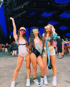 41 beautiful coachella outfit ideas for cozy summer outfit 1 Cochella Outfits, Edm Outfits, Rave Festival Outfits, Music Festival Fashion, Edm Festival, Festival Wear, Coachella Festival, Festival Looks, Festival Style