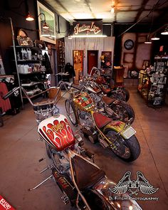 Indian Larry Choppers   Inside Indian Larry Motorcycles