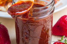Roasted Strawberry BBQ Sauce Recipe : A sweet, spicy and smoky strawberry BBQ sauce. Strawberry Bbq Sauce Recipe, Strawberry Recipes, Strawberry Balsamic, Strawberry Syrup, Chutney, Do It Yourself Food, Roasted Strawberries, Homemade Sauce, Homemade Bbq