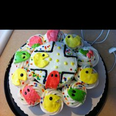 PacMan cake and cupcakes Pac Man Cake, Cupcake Cakes, Cupcakes, How Sweet Eats, Amazing Cakes, Sweets, Cookies, Desserts, Food