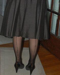 Make your own vintage style seamed stockings. #DIY #vintage