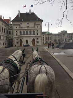Wienin ydinkeskusta Innere Stadt ja upeat nähtäyydet. Viimehetken vinkit Eutoviisumatkailijoille.