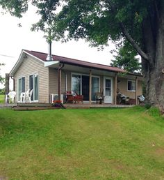 2 bedroom cottage for rent on Upper Rideau Lake, Westport Westport Ontario, Shed, Cottage, Outdoor Structures, Bedroom, Outdoor Decor, Home, Lean To Shed, House