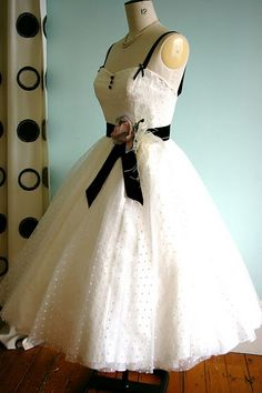 Oh wow I want want want  I would like to collect wedding dresses and change mine out every hour of my wedding lol