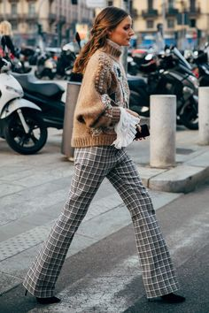 The Perfect Winter Work Wardrobe Requires Only These 7 Items - Winter Outfits for Work Olivia Palermo, New York Fashion, Milan Fashion Weeks, Women's Fashion, Curvy Fashion, Daily Fashion, Fashion Trends, Fendi, Gucci