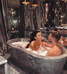 •Pinterest : V E E • Elegant romance, cute couple, relationship goals, prom, kiss, love, tumblr, grunge, hipster, aesthetic, boyfriend, girlfriend, teen couple, young love image