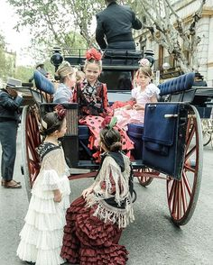 Exhibición de enganches 2016 #feriadeabril #cochesdecaballos#flamencas #ig_sevilla#ok_spain #ok_andalucia#sevillatieneuncolorespecial #sevillahoy #carruajes #childhoodmemories #childhoodunplugged #kidsforreal#momswithcameras #childofig #horses#cameramama Spanish Holidays, Boho, Instagram, Outfits, Gypsy, Dresses, Fashion, Kids Fashion, Vestidos