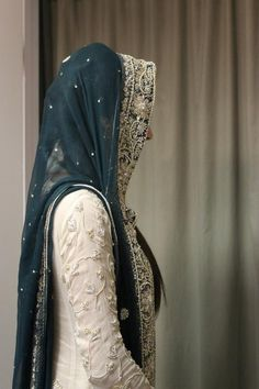 Love the color combination! Indian Outfit Wedding Desi Wedding Dark Blue and White Pakistani Bridal Dresses, Pakistani Outfits, Indian Dresses, Indian Outfits, Patiala, Churidar, Salwar Kameez, Desi Wear, Sari