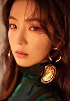 "Concept Photos of ""Perfect Velvet"" album by Red Velvet   Peek-A-Boo   레드벨벳   피카부   photoshoot   album jacket   Irene   아이린   Bae Joohyun   배주현"