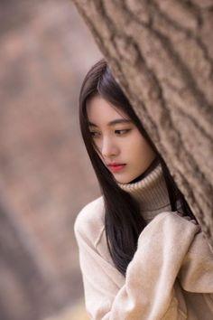 Beauty, Sensuality and Wisdom Ulzzang Korean Girl, Cute Korean Girl, Korean Beauty Girls, Asian Beauty, Girl Photo Poses, Girl Photos, Girl Korea, Beautiful Chinese Girl, China Girl