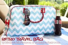 This retro-inspired travel bag is an intermediate/advanced level and uses laminated fabric althoug you could also use quilting cotton, Oil Cloth or home de