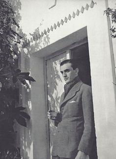 Luchino Visconti (comte Luchino Visconti di Modrone), photo by Horst P Horst, 1935  viafantomas-en-cavale
