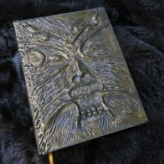 Necronomicon (Army of Darkness) (Big book) Book Of The Dead, Tomoe, Magic Book, Book Of Shadows, Handmade Decorations, Fantasy World, I Fall In Love, Horror, Army