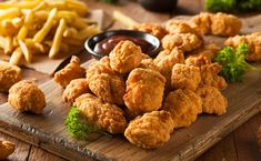 Looking for some easy and fast Weight Watchers snacks to eat them on the go or whenever you need extra energy with super low or even zero points? Weight Watchers Snacks, Plats Weight Watchers, Chicken Bites, Chicken Nuggets, Crispy Chicken, Chicken Pakora, Boneless Chicken, Ww Recipes, Corn Flakes