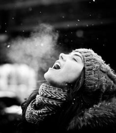 "estmsk: / Photo ""Lovely winter"" by Artem Popkov Art Visage, Winter Schnee, Snow Photography, Winter Love, Winter Layers, Holy Mary, Winter Photos, Foto Art, Elle Magazine"