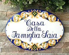 Personalized family name House Sign, handpainted on porcelain plaque. www.etsy.com/shop/DipintoAdArte #house sign #outdoordecor