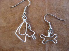 PECORINA e suo osso orecchini wirewrapped Dog Jewelry, Animal Jewelry, Metal Jewelry, Jewelry Art, Beaded Jewelry, Handmade Jewelry, Jewelry Design, Wire Crafts, Jewelry Crafts