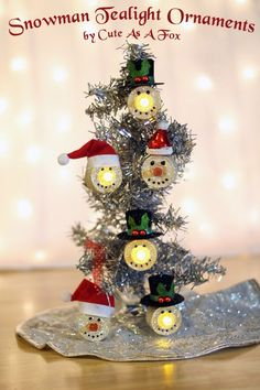 Tutorial on how to make your own Snowmen Tealights Ornaments Love the orange glitter nose! Christmas Ornaments To Make, Noel Christmas, All Things Christmas, Winter Christmas, Christmas Decorations, Snowman Crafts, Christmas Projects, Holiday Crafts, Snowman Ornaments
