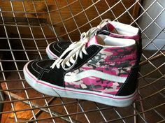 SOLD! Pink Camo VANS US Women's size 9 via Etsy. #VANS #camo #pink
