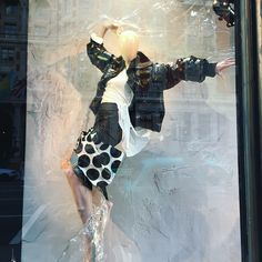 """HARVEY NICHOLS, Knightsbridge, London, UK, """"She dances to the songs in her head, speaks with the rhythm of her heart, and loves from the depths of her soul... (phew)"""", photo by VM. London, pinned by Ton van der Veer"""