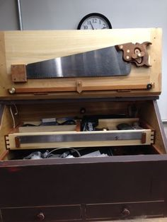 What Does Your Dream Toolbox Look Like? Tool Tote, Wooden Tool Boxes, Tool Cart, Carpenter Tools, Vintage Tools, Wood Lathe, Tool Storage, Toolbox, Wood Projects
