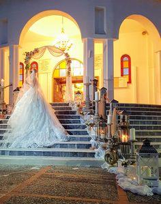 What a beautiful bride! #bride #charismadecoration  #weddingdecoration