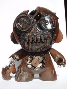 Designer Vinyl Toy: Decayed Clockwork Munny