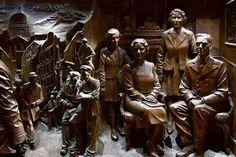The Queen Mother Memorial | Paul Day Sculpture