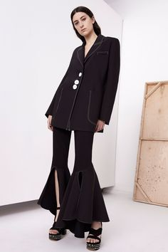 See the complete Ellery Resort 2018 collection.