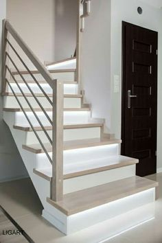 Aaaaa Aaaa Independent House, Staircase Remodel, Staircase Railings, Dream Home Design, Home Interior Design, House Design, Railing Design, Staircase Design, Laminate Stairs