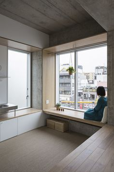 Photo 3 of 7 in Tatsumi Apartment House by Hiroyuki Ito Architects - . - - Photo 3 of 7 in Tatsumi Apartment House by Hiroyuki Ito Architects – … Kochen Foto 3 von 7 im Tatsumi Apartment House von Hiroyuki Ito Architects – Japan Interior, Room Interior, Interior Design Living Room, Study Room Design, Apartment Interior Design, Design Bedroom, Interior Lighting, Interior Ideas, Modern Interior
