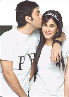 Ranbir Kapoor leaves Rishi & Neetu Kapoor for Katrina Kaif - Tune Hungama