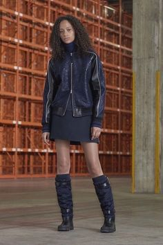See the complete Diesel Black Gold Pre-Fall 2017 collection.