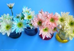 Pintando flores | #Artividades Plants, White Flowers, Teaching Kids, Carnations, Painted Flowers, Flora, Plant, Planting